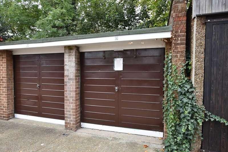 Garages Garage / Parking for sale in Gardner Close, Wanstead