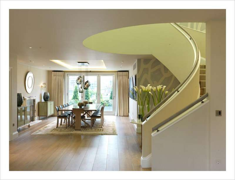 3 Bedrooms Flat for rent in Buckingham Gate, London. SW1E