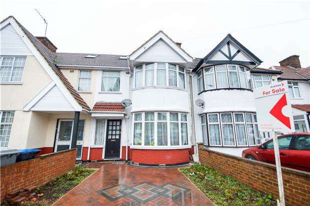 3 Bedrooms Terraced House for sale in Princes Avenue, KINGSBURY, NW9 9QU