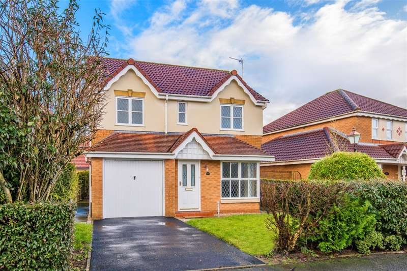 4 Bedrooms Detached House for sale in Ellerbeck Crescent Worsley M28 7GP