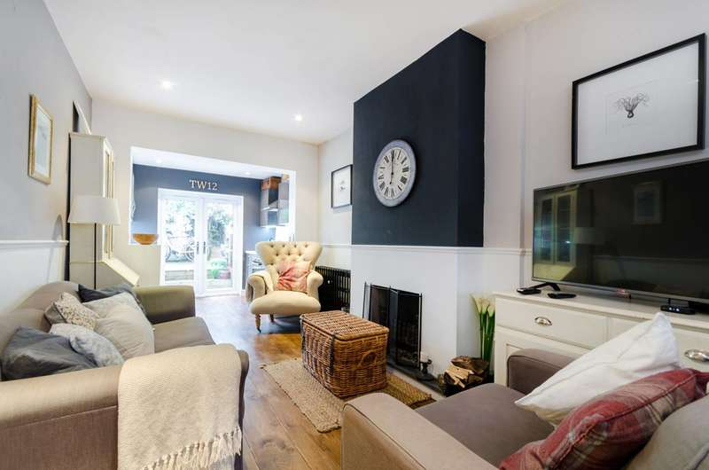 3 Bedrooms Terraced House for sale in High Street, Hampton, TW12