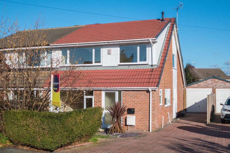 4 Bedrooms Semi Detached House for sale in Goodwood Close, Barnton