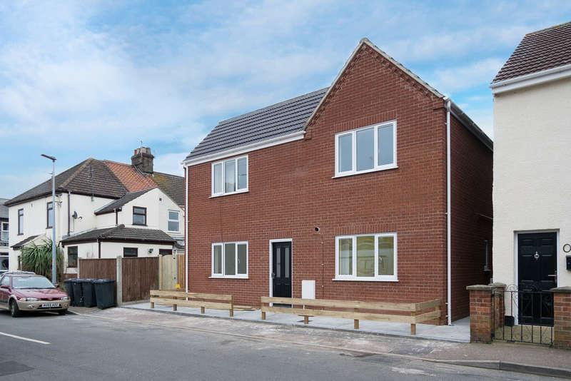 1 Bedroom Flat for sale in Danby Road, Gorleston