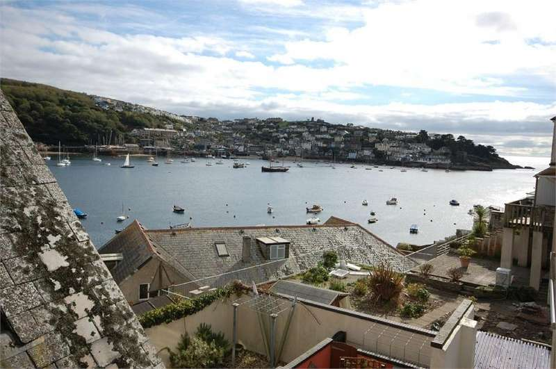 2 Bedrooms Flat for sale in 3 Marina Apartments, 1 Esplanade, FOWEY