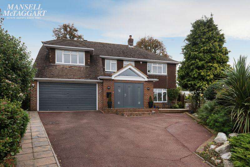 4 Bedrooms Detached House for sale in Ashley Close, Patcham, Brighton,