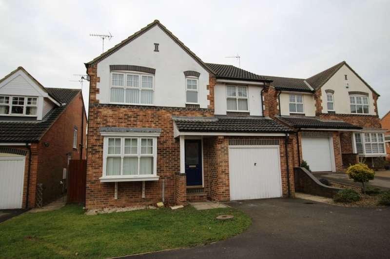 4 Bedrooms Detached House for sale in Badminton Close, Bridlington, YO16