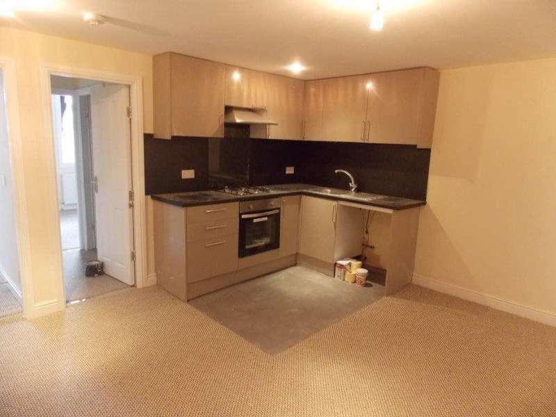 2 Bedrooms Flat for rent in 306a HARROGATE ROAD, BRADFORD BD2 3TB