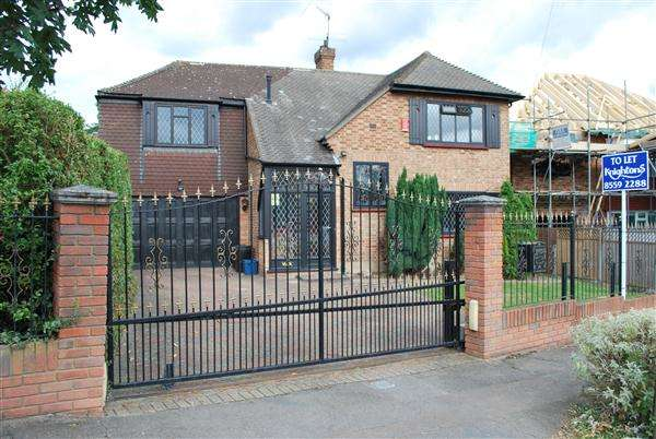 4 Bedrooms Detached House for rent in Forest Way, Woodford Green