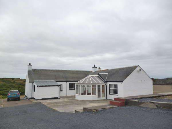 3 Bedrooms Detached Bungalow for sale in Benview, Ballygrant, Isle of Islay, PA45 7QW