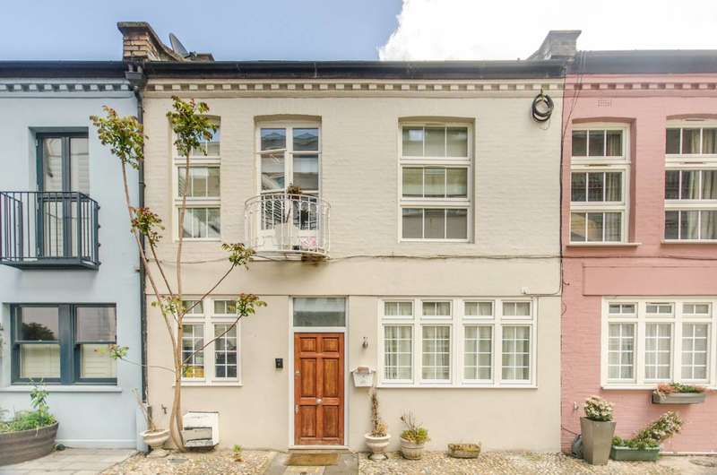 2 Bedrooms Terraced House for sale in Ovington Mews, Knightsbridge, SW3