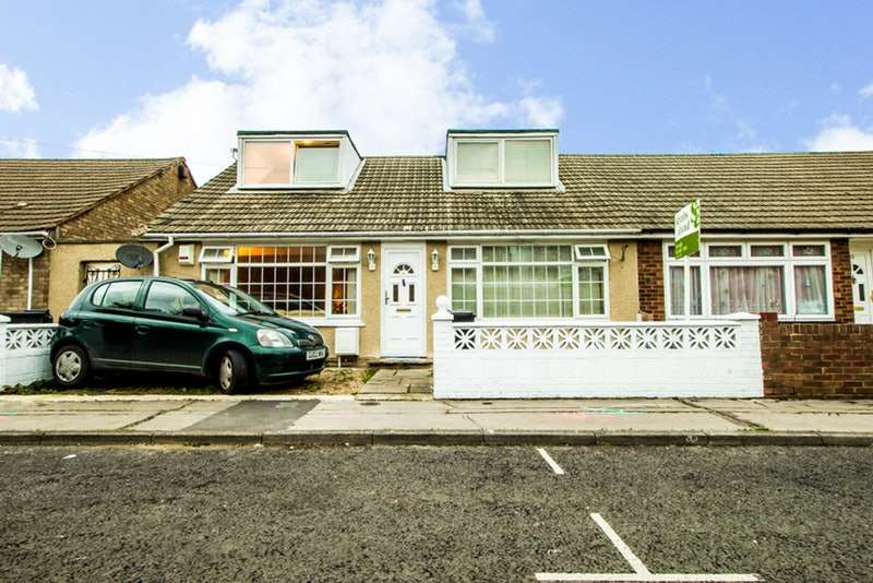 4 Bedrooms Semi Detached House for sale in Clarence Road, Croydon, Surrey, CR0