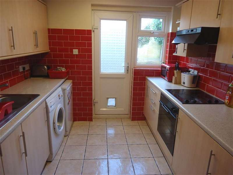 5 Bedrooms House for rent in Windham Road, Springbourne, Bournemouth, Dorset
