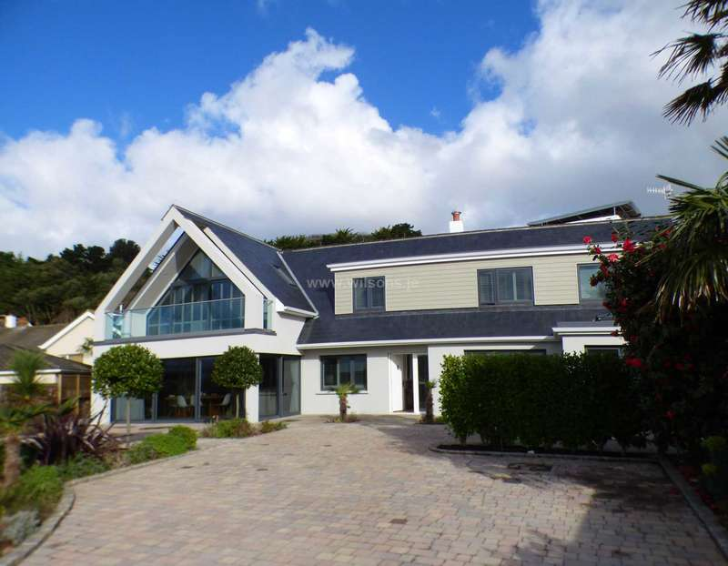 3 Bedrooms Detached House for sale in St Brelade