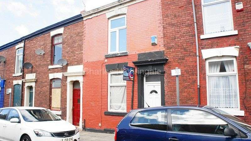3 Bedrooms Terraced House for sale in Dyson Street, Blackburn, Lancashire. BB2 3RZ