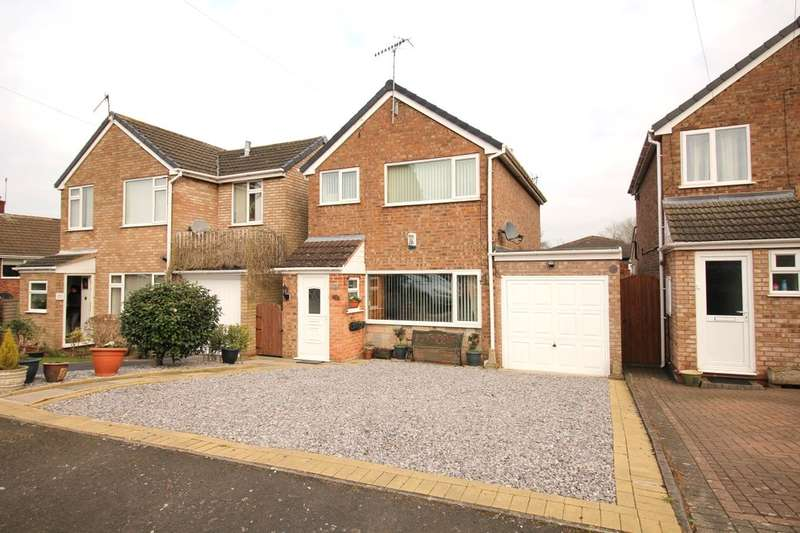 3 Bedrooms Detached House for sale in Moorfield Drive, Sidemoor, Bromsgrove, B61