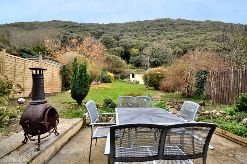 3 Bedrooms Flat for sale in St. Boniface Road, Ventnor