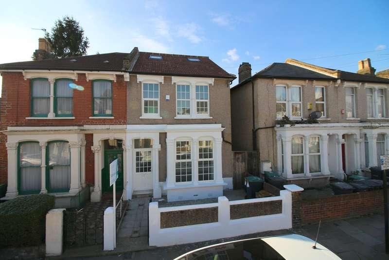 5 Bedrooms Semi Detached House for sale in Vicarage Road, London