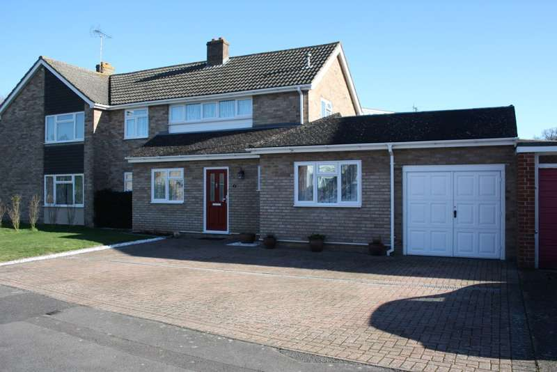 3 Bedrooms Semi Detached House for sale in Lunds Farm Road, Woodley, Reading, RG5