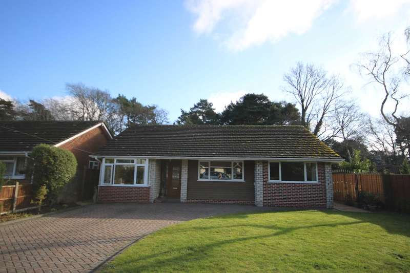 3 Bedrooms Detached Bungalow for sale in Appletree Grove, Ferndown