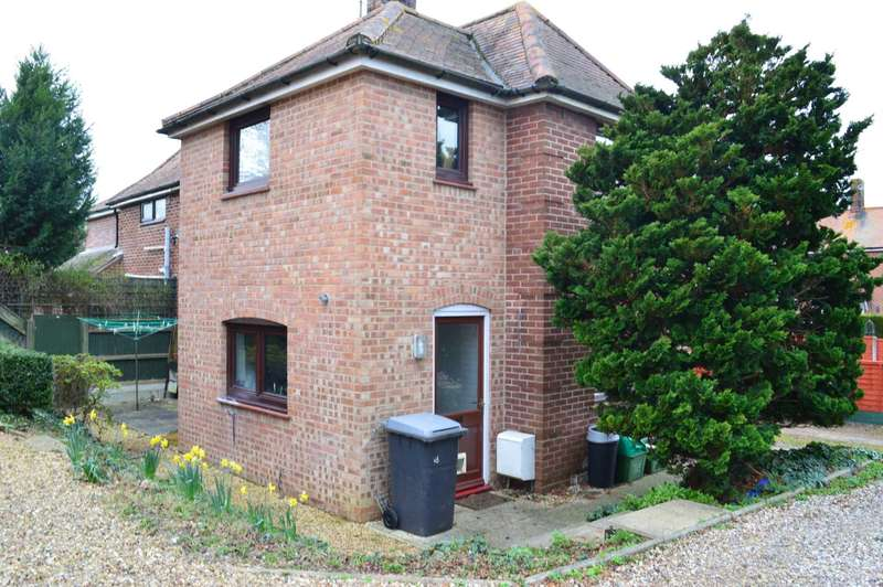 2 Bedrooms Semi Detached House for rent in Moores Place, Hungerford