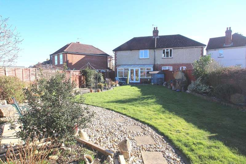 3 Bedrooms Semi Detached House for sale in Salterns Estate, Fareham