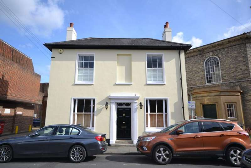 3 Bedrooms Detached House for sale in St. Johns Street, Chichester