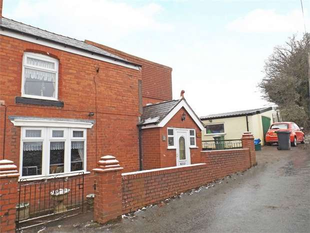 3 Bedrooms Semi Detached House for sale in Plas Drain Road, Penycae, Wrexham