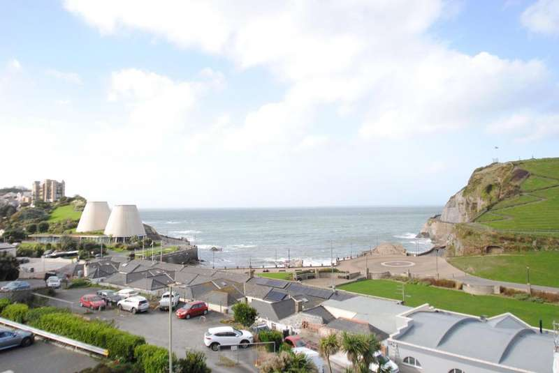 2 Bedrooms Apartment Flat for sale in Sommers Crescent, Ilfracombe