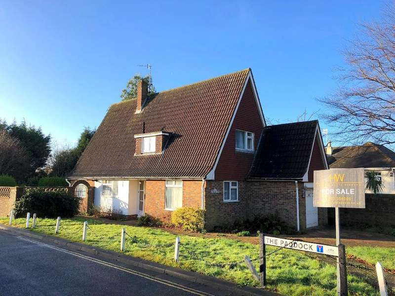 3 Bedrooms Detached House for sale in The Droveway, Hove, East Sussex, BN3 6LE