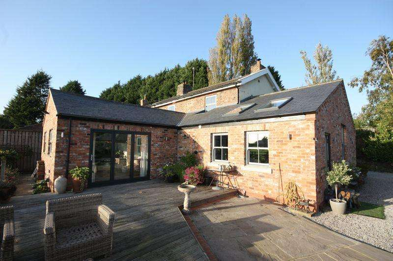 4 Bedrooms Unique Property for sale in **With small holding caravan site* Station Cottages, Naburn, York