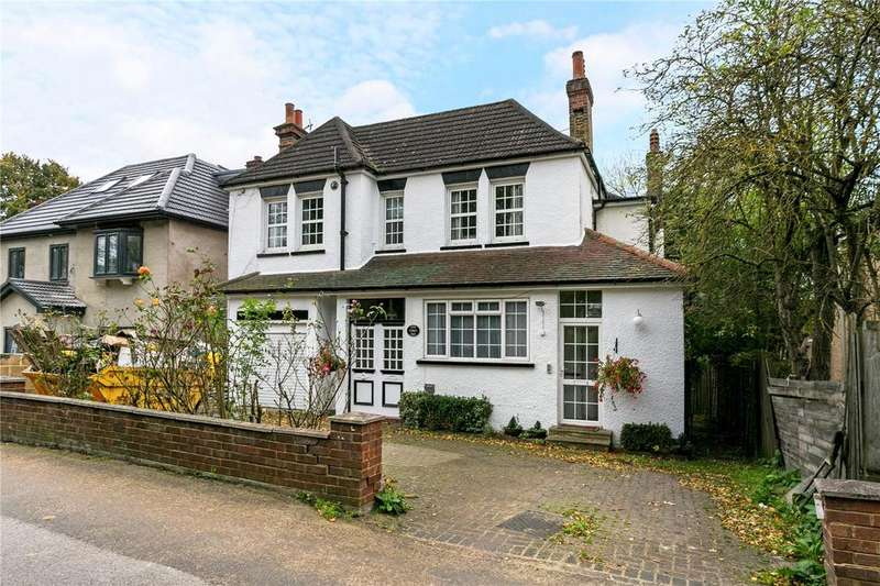 4 Bedrooms Detached House for sale in Green Lane, Northwood, Middlesex, HA6