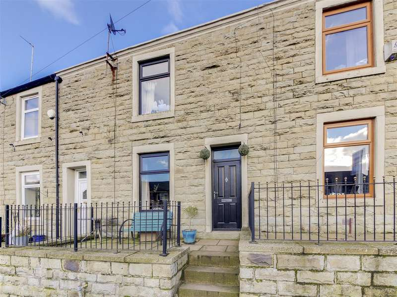 3 Bedrooms Terraced House for sale in Rockcliffe Road, Bacup