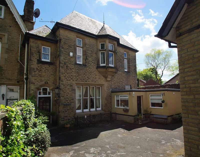 3 Bedrooms Semi Detached House for sale in Abney Rd, Mossley OL5