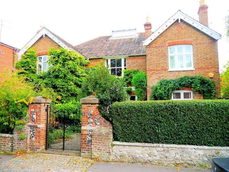 3 Bedrooms Apartment Flat for sale in Dorset Road, Windsor SL4