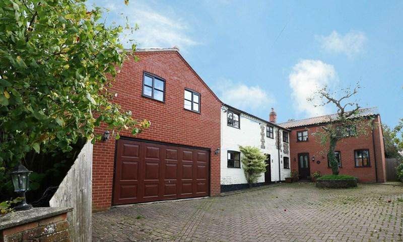 4 Bedrooms Detached House for sale in The Lizard, Wymondham
