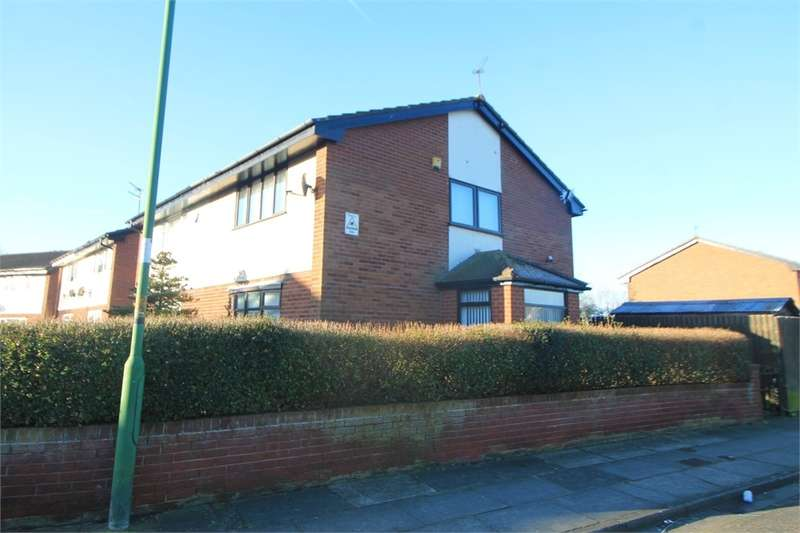 3 Bedrooms Semi Detached House for sale in Edgemoor Close, Thornton, LIVERPOOL, Merseyside