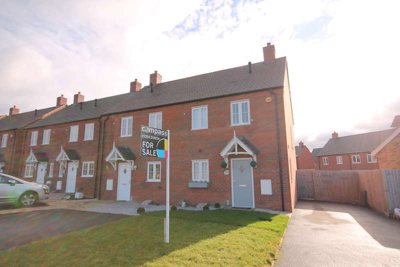 3 Bedrooms Semi Detached House for sale in Primrose Fields, Bedford, MK41