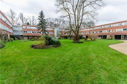 3 Bedrooms Flat for sale in Cambridge
