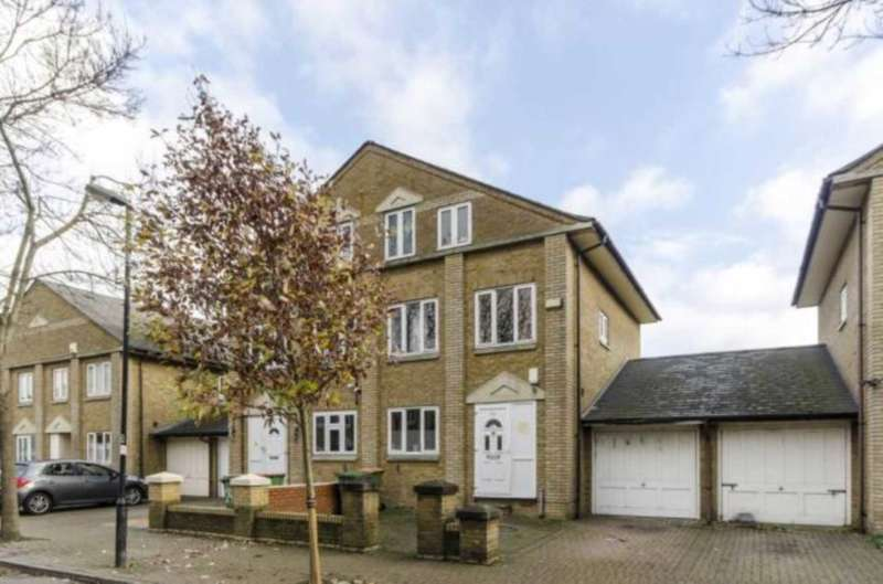 4 Bedrooms Semi Detached House for rent in Nightingale Way, Beckton
