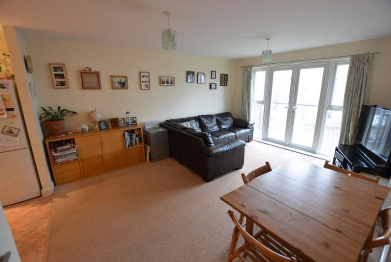 2 Bedrooms Apartment Flat for sale in Avenel Way, Poole, Dorset BH15 1EP