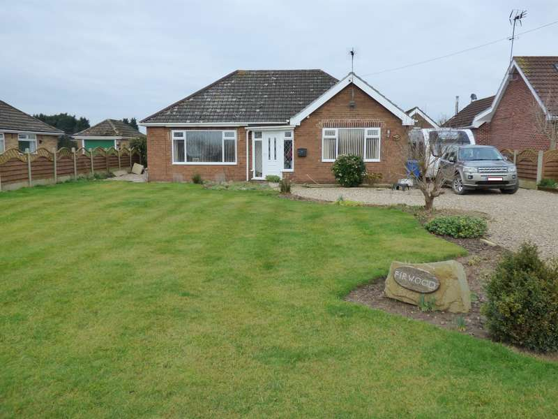 3 Bedrooms Bungalow for sale in Balk Lane, Arnold, Hull, HU11 5HZ