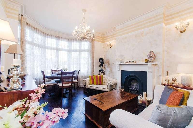 3 Bedrooms Flat for sale in Nibthwaite Road, Harrow, HA1