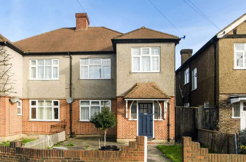2 Bedrooms Maisonette Flat for sale in Martin Way, Morden, SM4