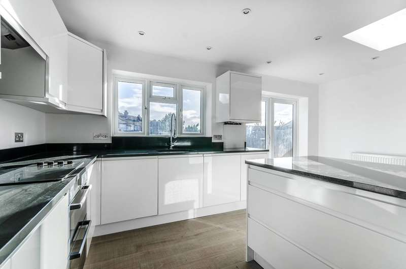 3 Bedrooms Terraced House for sale in Houston Road, Forest Hill, SE23