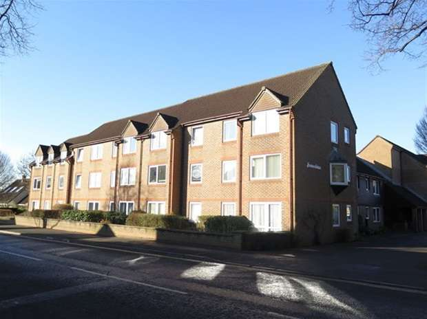 2 Bedrooms Flat for sale in Priory Road