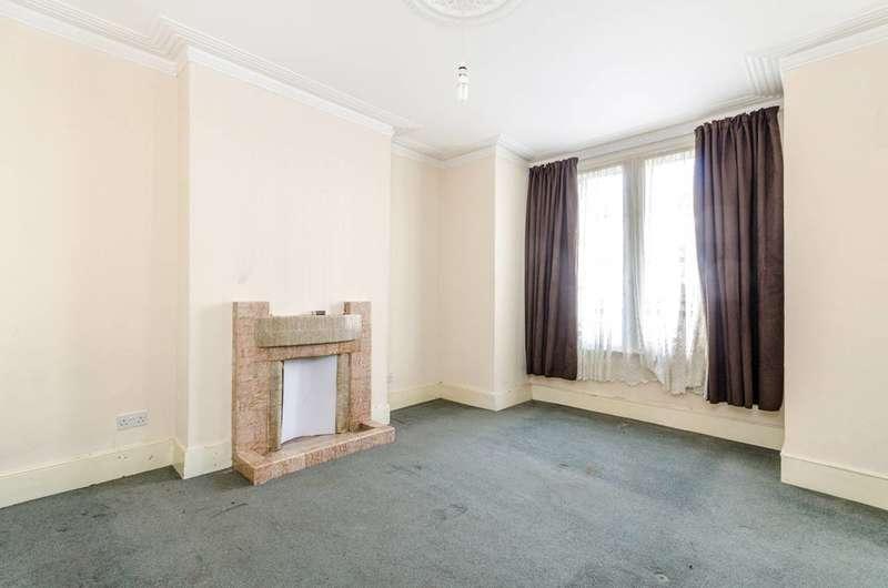 2 Bedrooms Flat for sale in Woodville Road, Thornton Heath, CR7
