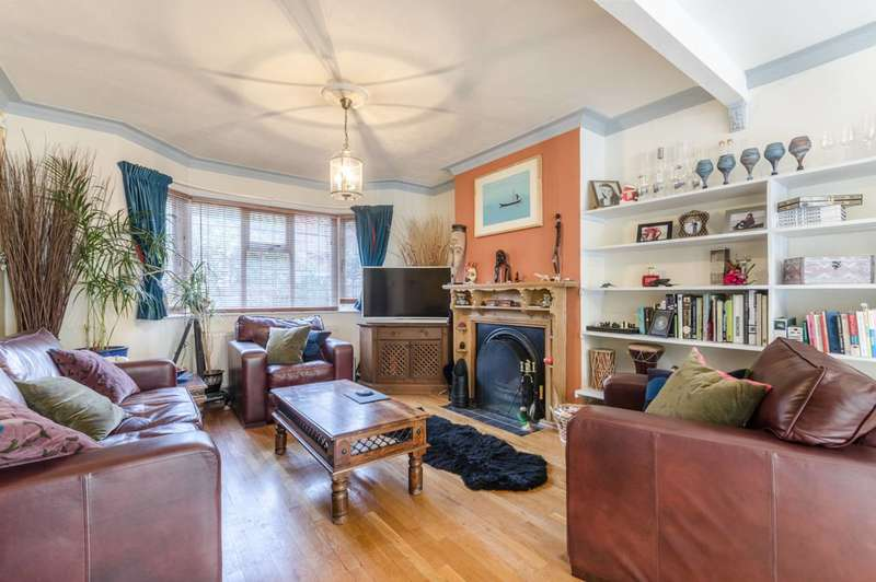 3 Bedrooms House for sale in Avenue Gardens, Acton, W3
