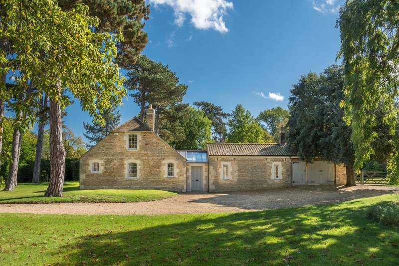 4 Bedrooms Barn Conversion Character Property for rent in Near Stamford