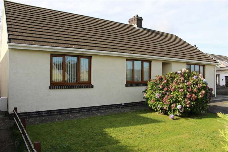 3 Bedrooms Detached Bungalow for sale in Lilac Close, Milford Haven