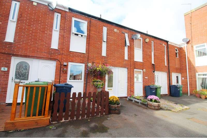 3 Bedrooms Property for sale in Franklin Court, Concord, Washington, Tyne and Wear, NE37 2EQ